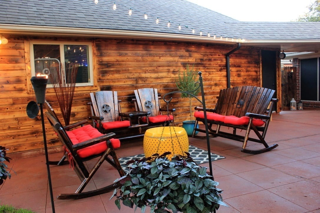 Want your dream backyard but don't have the funds? Don't worry. We've got 5 affordable DIY backyard ideas to bring your outdoor space to life. Read our article to find out how.