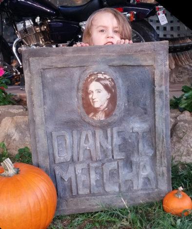 Direct Colors DIY Halloween Tombstone