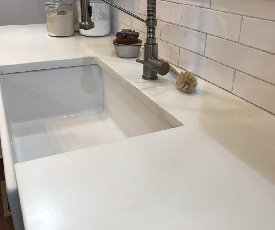 Kitchen Countertop made with White Countertop Mix and Titanium Dioxide White Pigment