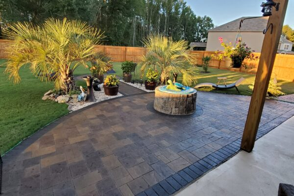 Black, Charcoal, Aztec Brown & Yukon Gold Stained Stamped Concrete Patio