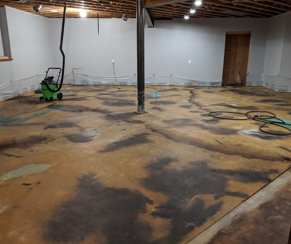 Neutralized and dry acid stained concrete floor