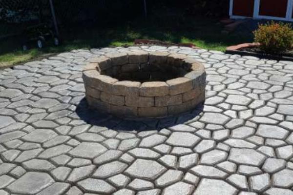 Patio WalkMaker Concrete Pavers Portico Light Charcoal Stain
